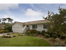 121 Arbor Ln, Moss Beach, CA 94038