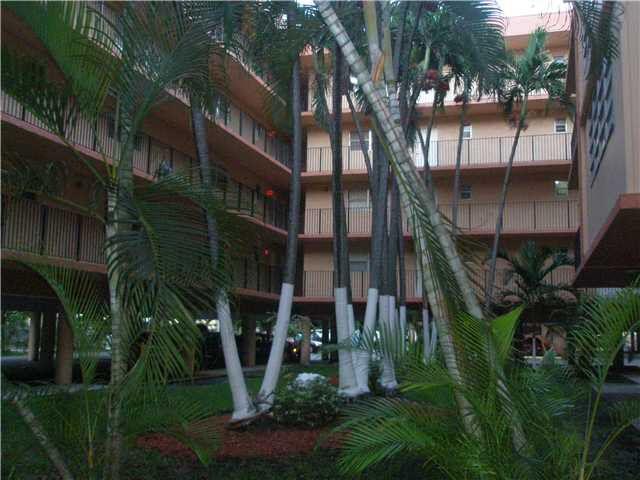 1990 W 56th St Apt 1419 Hialeah, FL 33012