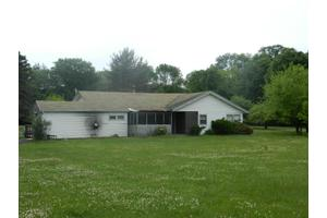 988 Gilbert Rd, Effort, PA 18330