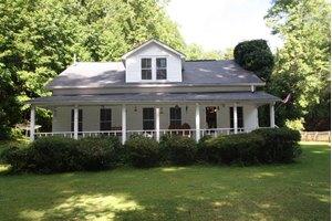 1429 Nashville Hwy, Lancing, TN 37770