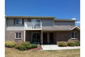 2020 Meadow Ct # 2, Village of West Bend, WI 53095
