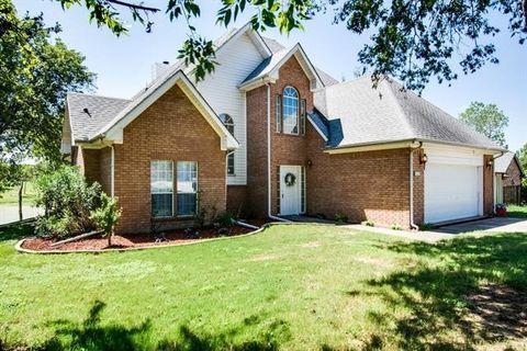 815 Meadow Lake Dr, Lakewood Village, TX 75068