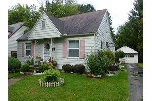 813 Searles Rd, Toledo, OH 43607