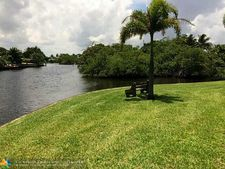 3004 Ne 5th Ter Apt 110, Wilton Manors, FL 33334