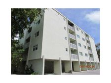 2920 Sw 28Th Ter Apt 204, Miami, FL 33133