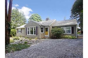 5 Birch Rise Dr, Newtown, CT 06470