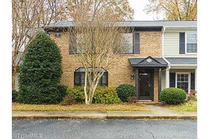 37 Fountain Manor Dr Unit B, Greensboro, NC 27405