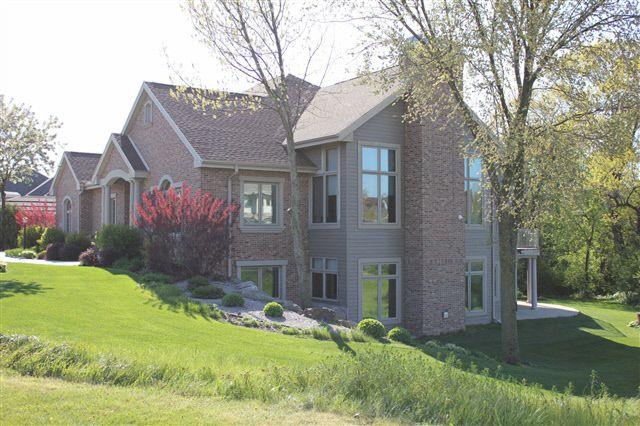 9133 Blackhawk Rd, Middleton, WI