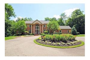 6908 Given Rd, Indian Hill, OH 45243