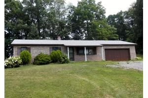 692 Perkinson Rd, Selinsgrove, PA 17870