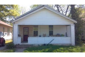 203 S Highland St, Paris, TN 38242