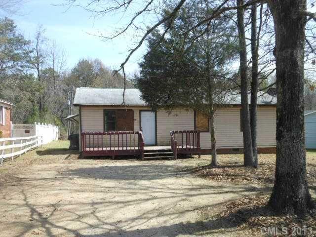 5250 Hilltop Cir, Charlotte, NC 28269