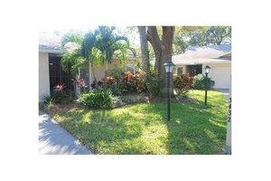 3432 Wilkinson Woods Dr # 67, Sarasota, FL 34231