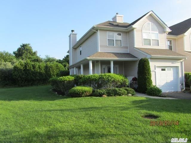 2806 Bayberry Path, Riverhead, NY