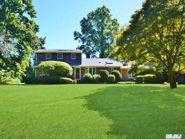 35 Harbor Hill Dr, Lloyd Harbor, NY 11743