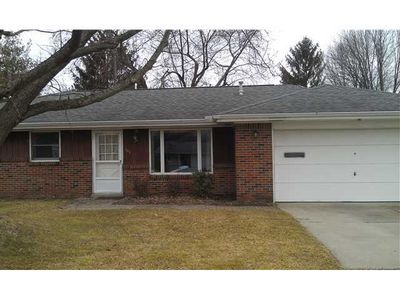 104 Browning Rd, Swanton, OH