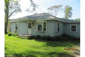764 W Tyler Rd, Muskegon, MI 49445