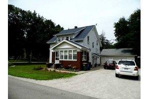 411 Oak St, Luckey, OH 43402