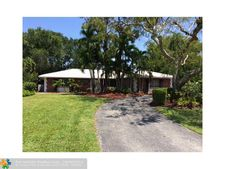 3711 Sherwood Blvd, Delray Beach, FL 33445