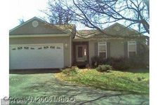 102 Howellsville Rd, Front Royal, VA 22630