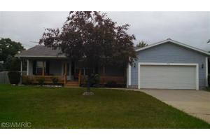 1346 Woodcrest St, Muskegon, MI 49442