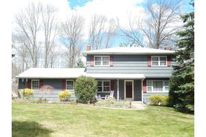 26 Jocynda Rd, Mount Olive Township, NJ 07836