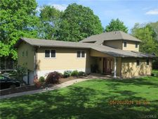 25 Barrie Dr, Spring Valley, NY 10977