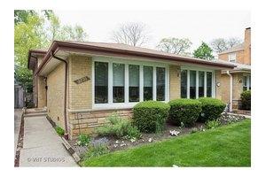 2730 W Jarlath St, Chicago, IL 60645