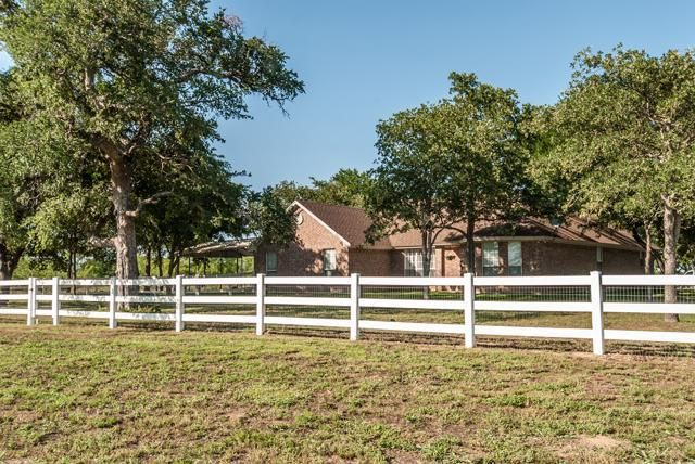 397 County Road 1861, Chico, TX 76431