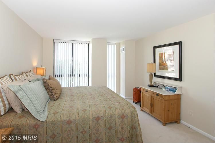 4620 N Park Ave Apt 908 W, Chevy Chase, MD 20815