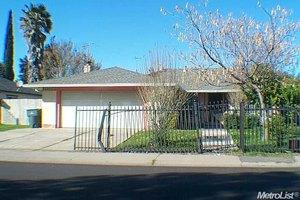 3885 Shining Star Dr, Sacramento, CA 95823