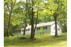 1125 Old Quaker Hill Rd, Pawling, NY 12564