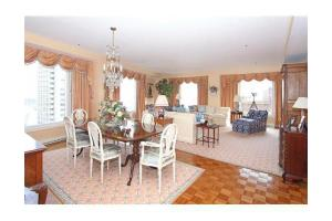 10 Rowes Wharf Apt 902, Boston, MA 02110