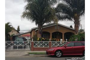 1061 W 2nd St, Santa Ana, CA 92703