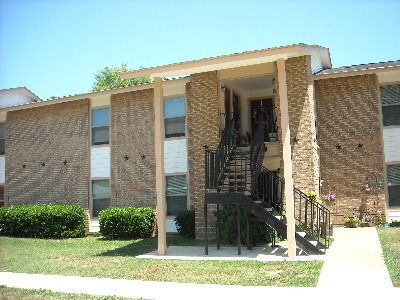 1304 West Ave, TX 75561