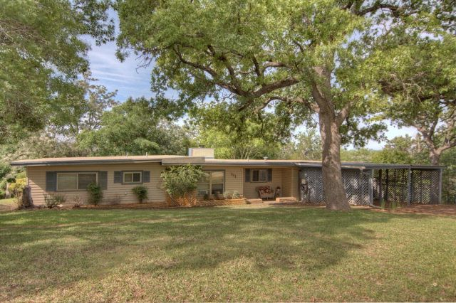 111 oak dr kerrville tx 78028 home for sale and real