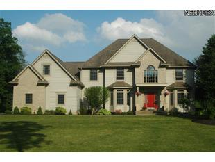 16685 Lucky Bell Ln Chagrin Falls , OH 44023