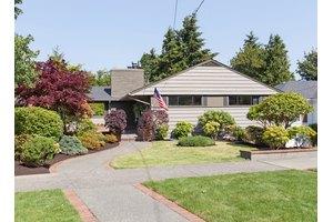 1936 34th Ave W, Seattle, WA 98199