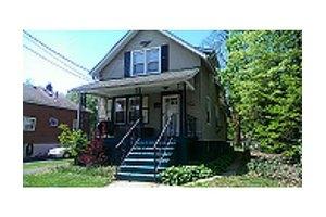 1870 W 5th St, Piscataway, NJ 08854
