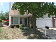 114 Cascade Circle Dr, Ballwin, MO 63021