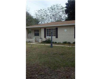 1683 Pine St, Largo, FL