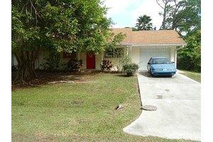 482 Lakewood Ln, Port Charlotte, FL 33953