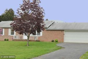 639 Harry Shirley Rd, Kearneysville, WV 25430
