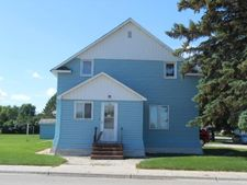 112 2Nd St Sw, Hankinson, ND 58041