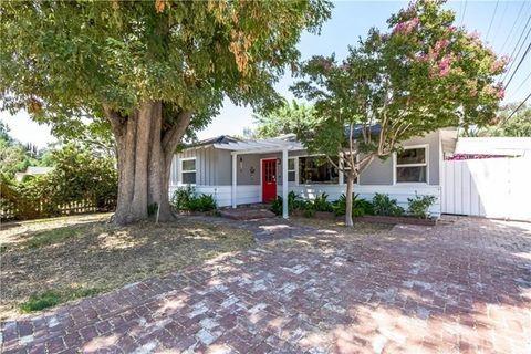 22015 Crespi St, Woodland Hills, CA 91364