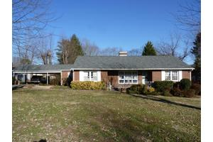 3106 Cross Valley Rd, Knoxville, TN 37917