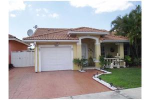 916 NW 128th Pl, Miami, FL 33182