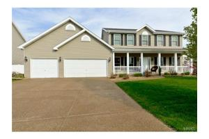 53 Loganberry Ct, St Peters, MO 63376
