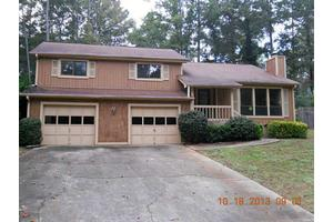 1539 Golf Link Dr, Stone Mountain, GA 30088