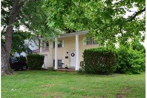 635 E Woodland St, Springfield, MO 65807